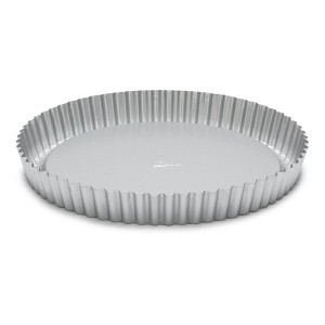 https://www.bazari.fr/7752-thickbox/moule-a-tare-tatin-anti-adhesif-28-cm-patisse.jpg